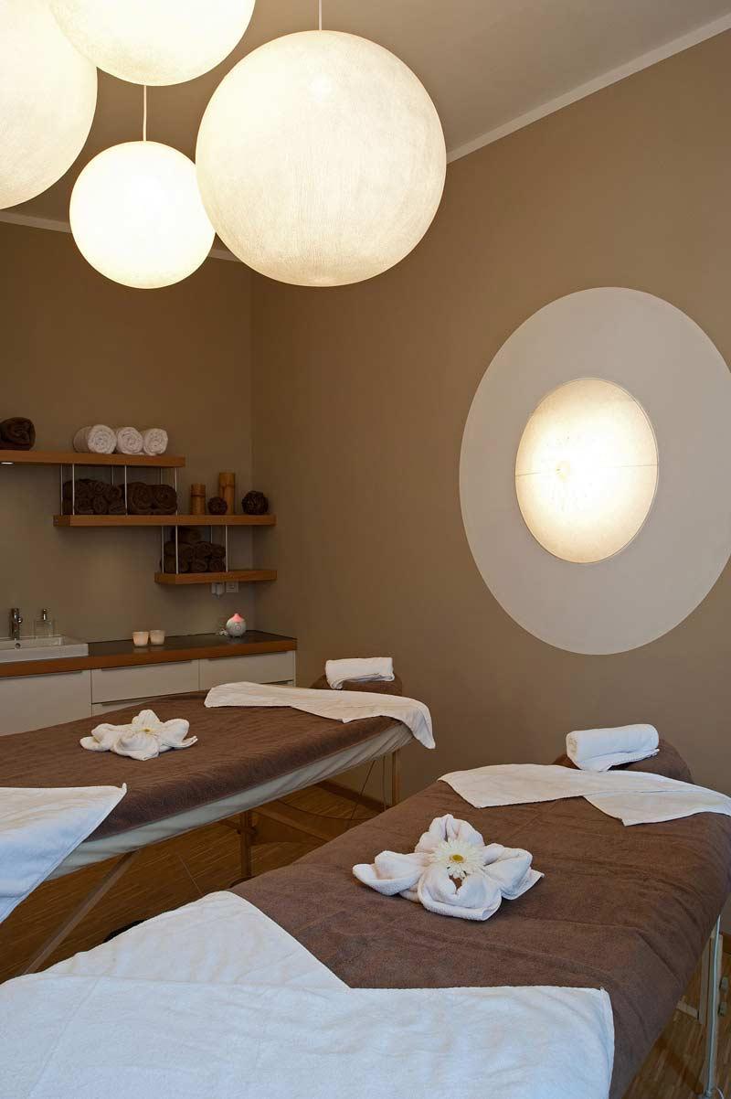 Gemeinsam schöne Stunden verbringen ...in einer unserer Paar - Massage - Suiten.